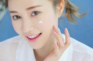 Dưỡng ẩm đầy đủ giúp da mềm mịn, căng mướt hơn